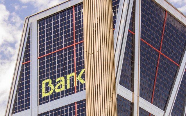 銀行とのコミュニケーション